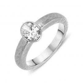 Platinum 0.75ct Diamond Oval Cut Hammered Ring