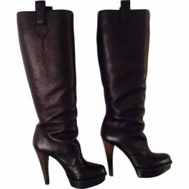 Yves Saint Laurent Yves Saint Laurent high-heeled boots