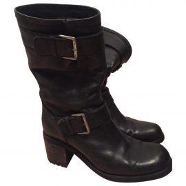 https://images.vestiairecollective.com/produit/2238130-1_1.jpg Black Leather Ankle boots
